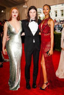 Sophie Turner, James Bay, and Jourdan Dunn